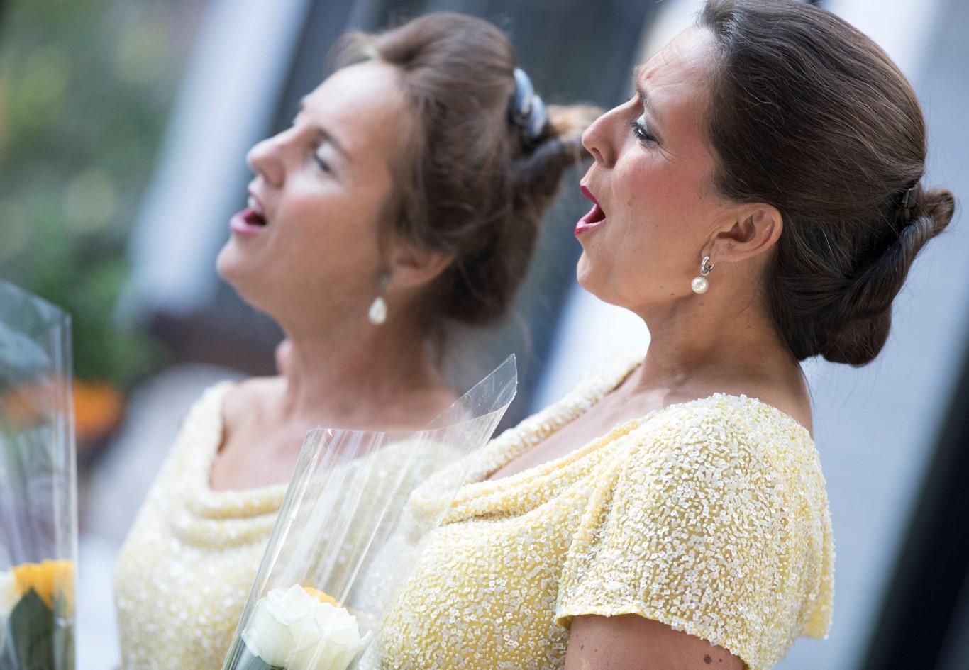 Opera Laria met roos